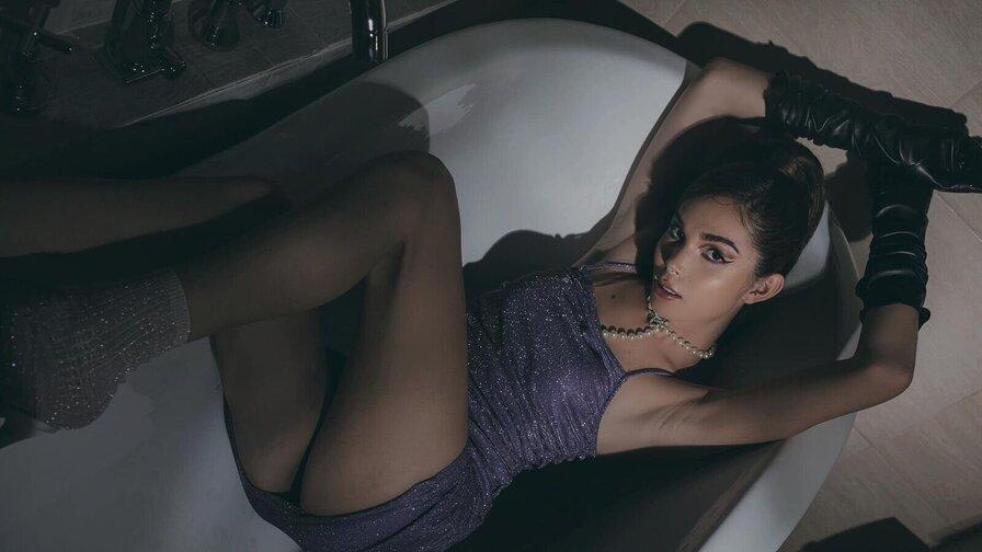 QueenyoungMeriel