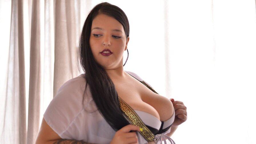 EvelynJulie